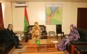 La ministre du Commerce reçoit l'ambassadeur d'Algérie