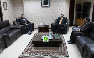 Le ministre des affaires étrangères reçoit l'ambassadeur libyen