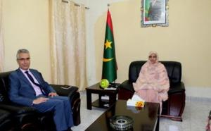 La ministre de l'éducation nationale reçoit l'ambassadeur français