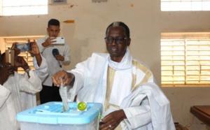 Le candidat Kane Hamidou Baba a voté au bureau 5 au collège de Tevrag-Zeina