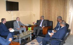 Le commissaire aux droits de l'homme s'entretient avec l'ambassadeur britannique