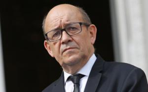 Le ministre des Affaires étrangères reçoit un appel téléphonique de son homologue français