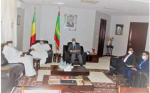 Le ministre des Affaires étrangères s'entretient avec son homologue malien